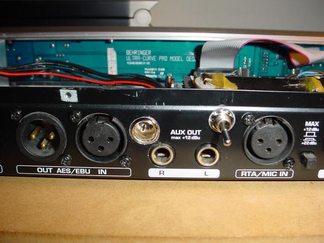 Mini-XLR and toggle switch